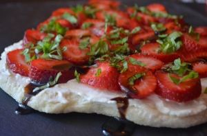 flatbread.strawberry